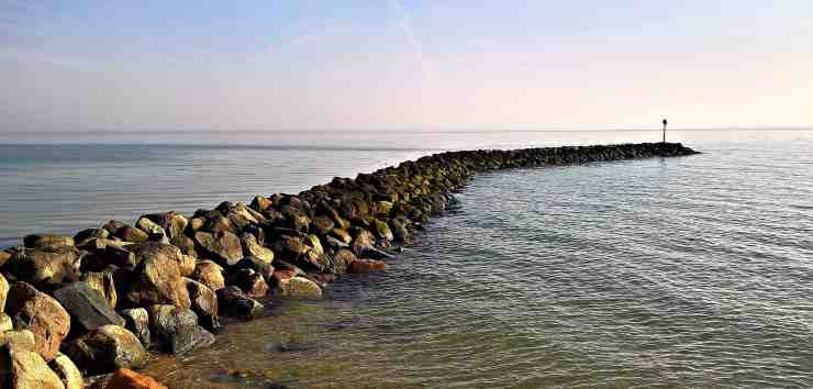 Functions and Types of Breakwater